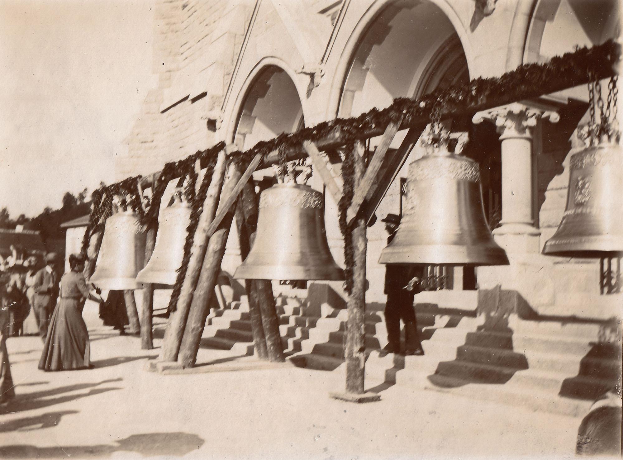 Glockenweihe der neuen Kirche St. Michael